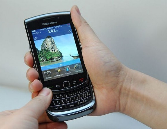 Bell, Rogers, And Telus To Get Their BlackBerry Torch On September 24th