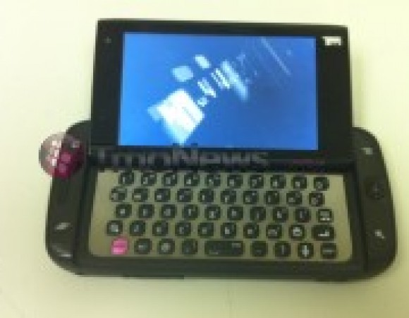 The 4G Sidekick For T-Mobile Caught On Camera