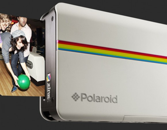Polaroid Is Back With The Z2300 Digital Camera w/ Printer Inside