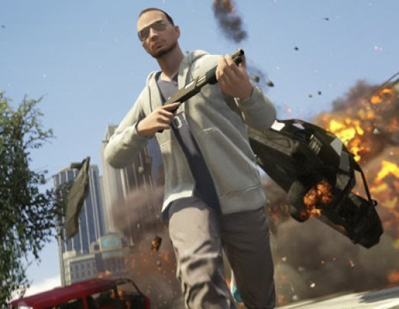 Grand Theft Auto V Online Is Now Available, Small Update Required For Access