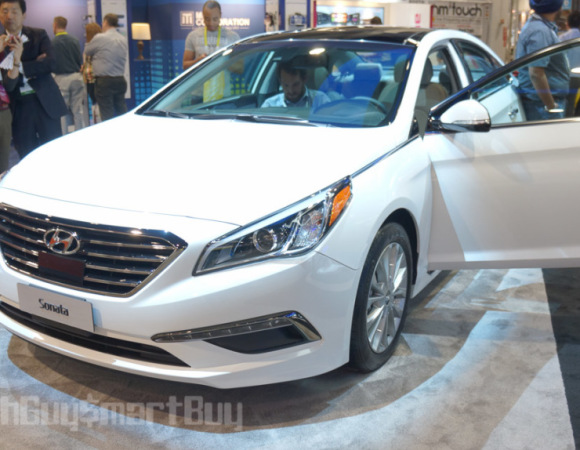 A Closer Look At Hyundai's Blue Link In-Car System (Video) #CES2015