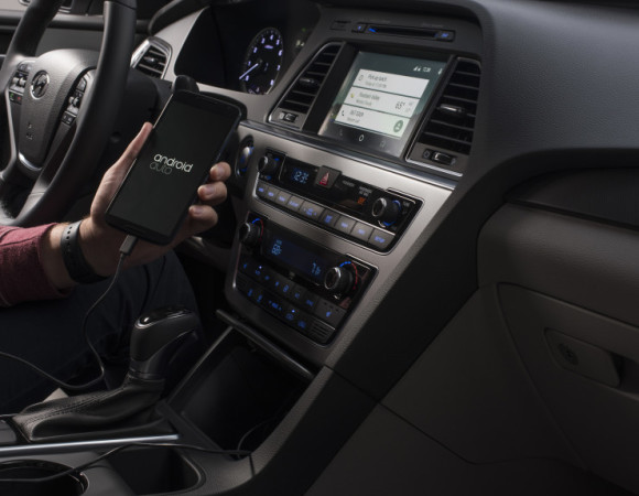 Hyundai Is The 1st Automaker To Offer Android Auto