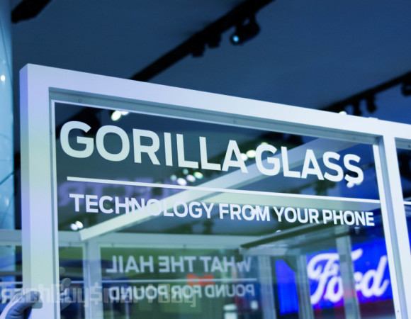 Gorilla Glass Is Coming Cars, Starting w/ The Ford GT #NYIAS