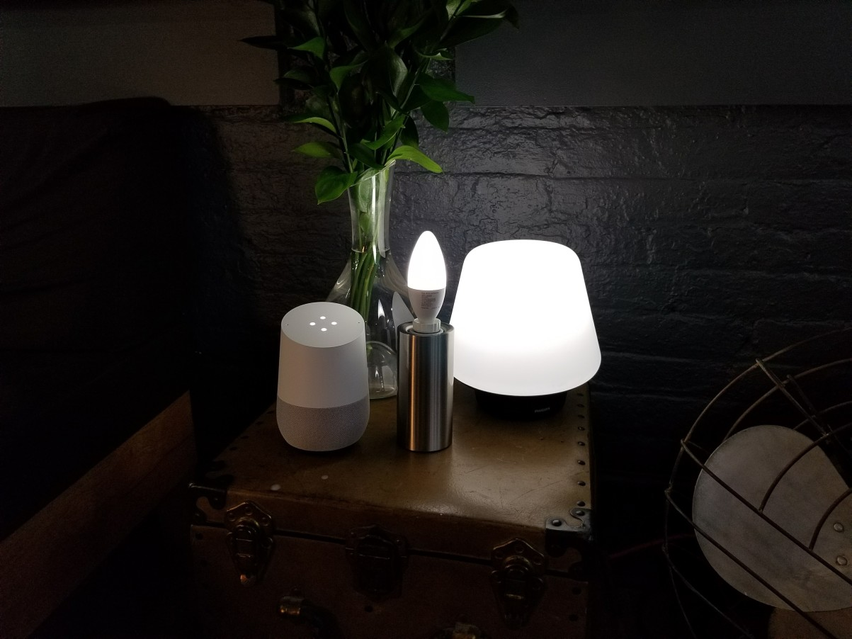 Philips Lampen Hue : Philips expands beyond bulbs w their new hue table lamps