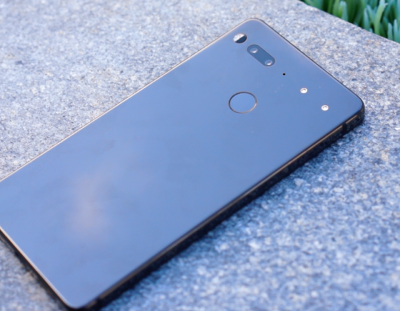 First Look: Essential Phone